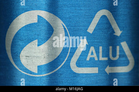 Common Symbol For Recycling Stock Photo 52390669 Alamy