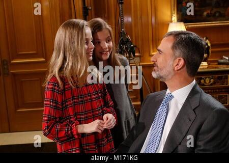 Madrid, Spain. 23rd Dec, 2018. King Felipe, Queen Letizia, Princess Sofia and Princess Leonor during the recording - Stock Photo