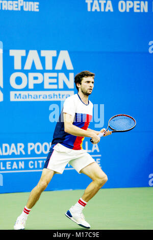 Pune, India. 5th January 2018. Gilles Simon of France, in action in a semi-final match of the Tata Open Maharashtra - Stock Photo
