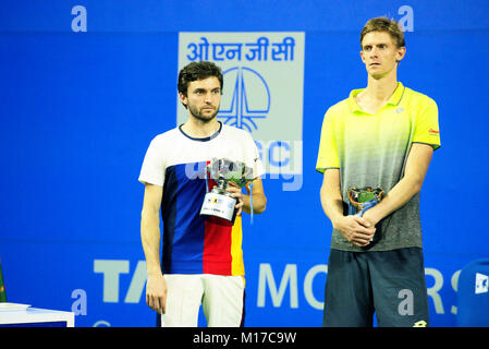 Pune, India. 6th January 2018. Gilles Simon of France and Kevin Anderson of South Africa after the finals at Tata - Stock Photo
