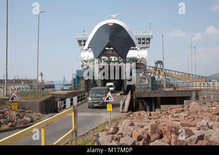 Arran  ferry Caledonian Isles or Eileanan Chaledonia sailing from Brodick on Arran disembarking passengers at  Ardrossan - Stock Photo