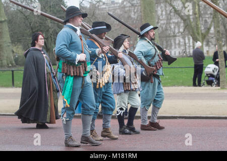 London UK. 28th January 2018.  Members of King's Army of the English Civil War Society  retrace the route taken - Stock Photo