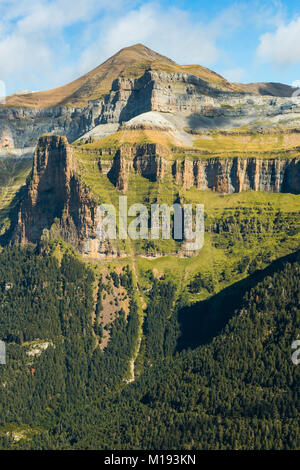 2845m Mondarruego peak & the Tozal del Mallo outcrop on the Ordesa Valley's north side. Ordesa National Park; Pyrenees; - Stock Photo