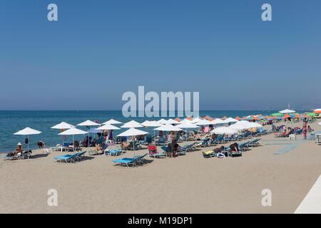 Beach and promenade, Ari Velouchioti, Rethymnon (Rethimno), Rethimno Region, Crete (Kriti), Greece - Stock Photo