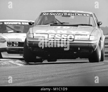 Pete Lovett driving a Rover 3500 S - Stock Photo