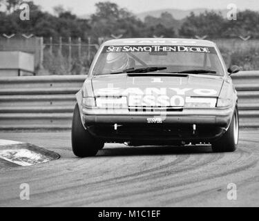 Jeff Allam driving a Rover 3500 S - Stock Photo