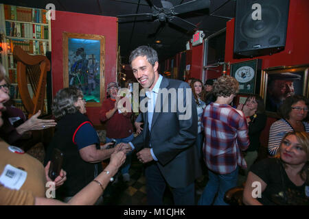 Houston, Texas, USA. 28th January, 2018. Beto O'Rourke, D-Texas arrives at a Bands for Beto event at the Mucky Duck - Stock Photo