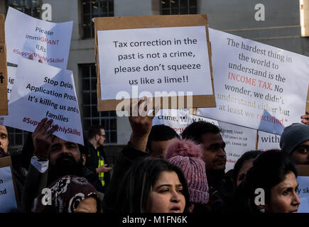 London 30th January 2018 Silled Migrents protest  across from Downing Street to complain about their treatment by - Stock Photo