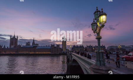 London, UK.  30 January 2018.  UK Weather:  The sun sets behind The Houses of Parliament in Westminster, which is - Stock Photo