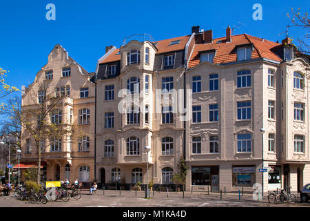 Germany, Cologne, houses at the Schill square in the district Nippes.  Deutschland, Koeln, Haeuser am Schillplatz - Stock Photo