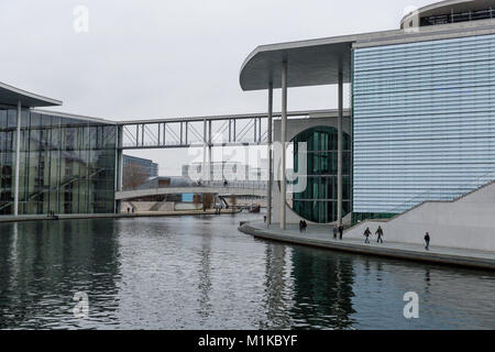 Modern architecture of German Chancellery building symbolizing German Unity located directly at the banks of the - Stock Photo