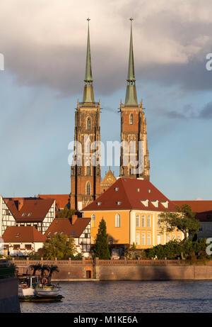Wroclaw Breslau, Dom, Kathedrale St. Johannes der Täufer, Blick von Westen auf die Dominsel - Stock Photo