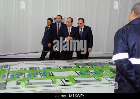 Suez Canal, Port Said, Egypt. 31st Jan, 2018. Egyptian President Abdel Fattah al-Sisi looks at mockups of natural - Stock Photo