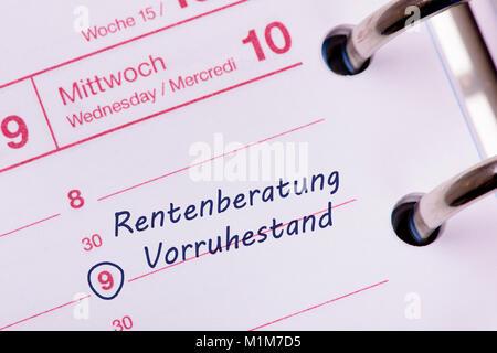 Terminkalender mit Eintrag Rentenberatung und Vorruhestand - Stock Photo
