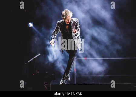 Milano, Italy. 31st Jan, 2018. The British/Scottish singer and composer Rod Stewart performing live on stage at - Stock Photo
