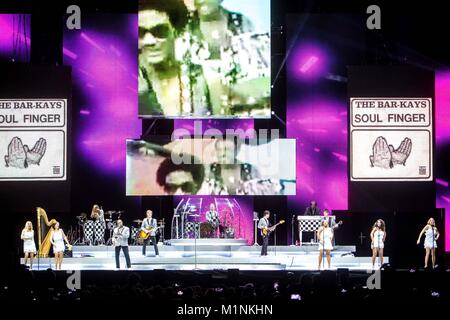 Milan, Italy. 31st Jan, 2018. Rod Stewart performs live in Milano, Italy. Credit: Mairo Cinquetti/Pacific Press/Alamy - Stock Photo