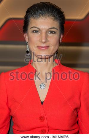Sahra Wagenknecht, Fraktionsvorsitzende der Partei Die Linke im Fernsehstudio bei MAISCHBERGER im Studio Adlershof - Stock Photo