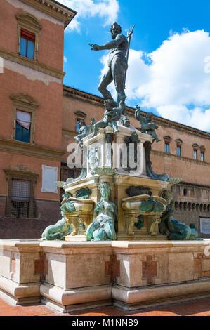 Italy, Bologna, Del Nettuno square, side view of the Neptune fountain - Stock Photo