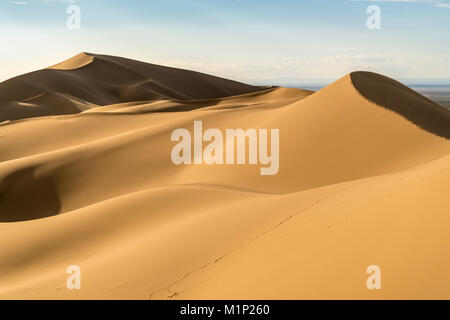 Khongor sand dunes in Gobi Gurvan Saikhan National Park, Sevrei district, South Gobi province, Mongolia, Central - Stock Photo