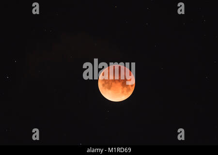 Vancouver, Canada. 31st Jan, 2018. The 'Super Blue Blood Moon' was last seen in the Western Hemisphere 152 years - Stock Photo