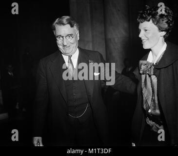 New York Senator Roy S. Copeland and Amelia Earhart at Senate Hearings on Aviation Safety, Washington DC, USA, Harris - Stock Photo