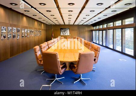 Bonn, Regierungsviertel (Bundesviertel, Parlamentsviertel), Bundeskanzleramtsgebäude, 1976 bis 1999 Sitz des Bundeskanzleramtes, Architekt: Bundesbau