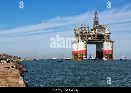 'Big Foot'  Chevron's Offshore Deep Ocean Platform, oil & natural gas platform drill rig. - Stock Photo