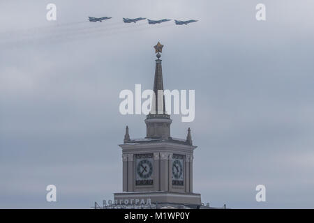 Volgograd, Russia. 2nd Feb, 2018. Su-24Ms fly over during a celebration of the 75th anniversary of the Battle of - Stock Photo