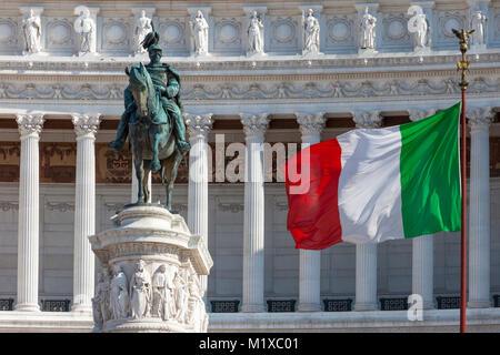 The Altare della Patria - the Monumento Nazionale a Vittorio Emanuele II, Statue, Flag and Monument, Rome, Lazio, - Stock Photo