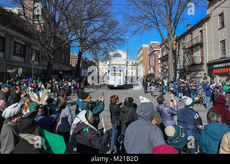 Media, PA, USA, Thousands of Philadelphia Eagles fans line the streets of Media for a rally supporting the NFC Championship - Stock Photo
