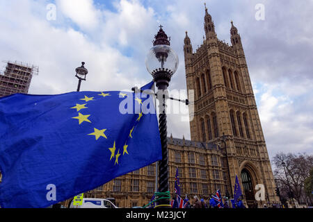 London, UK. 30th January 2018. A European Union flag flies from a lamp post opposite the Houses of Parliament in - Stock Photo