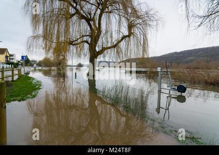 Vernon, France - 4th February 2018 : River Seine flooding roads in Vernon, France, 2018 - Stock Photo