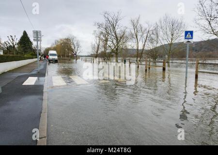 Vernon, France - 4th February 2018 : River Seine flooding roads in Vernon, France, 2018 - Stock Photo