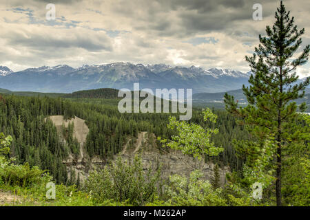 Overlook Maligne Canyon - Stock Photo