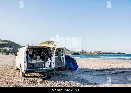 Beach camping in Punta Chivato, north of Mulege, Baja California, Mexico. - Stock Photo
