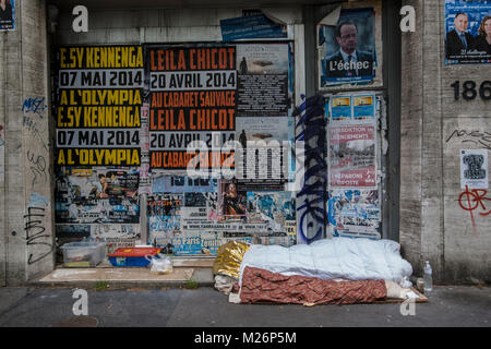 PARIS HOMELESS - HOMELESS PLACE IN THE STREET - PARIS MISERY IN THE STREET - SURVIVAL STREET KIT - A PLACE TO LIVE - Stock Photo