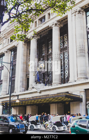 LONDON, UNITED KINGDOM - August 10th, 2014: the Selfridge's department store in Oxford Street in London city centre - Stock Photo