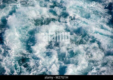 Waves splashing - Stock Photo