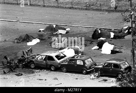 File photo dated 20/7/1982 of the scene in London's Hyde Park where four soldiers and seven horses died when an - Stock Photo
