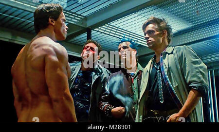 THE TERMINATOR  1984 Hemdale film with Arnold Schwarzenegger at left - Stock Photo