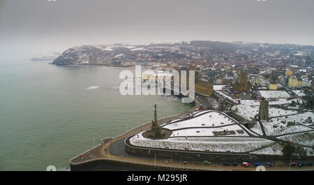 UK Weather: Snow fall at Aberystwyth Castle, Ceredigion, Wales. Aberystwyth, Ceredigion, Wales, Tuesday 06 February - Stock Photo