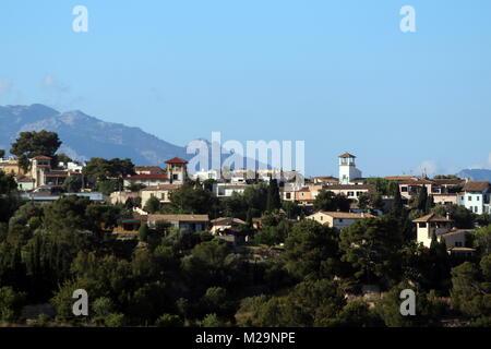 Malerische Bergdörfer, wie hier in der Bucht von Cala Major / Saint Augustin  Palma de Mallorca Insel Sehenswürdigkeit - Stock Photo