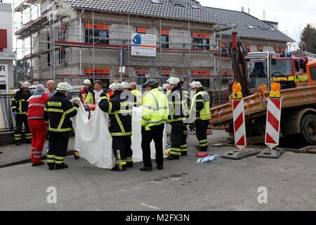 Bei einem schweren Arbeitsunfall ist Mittwoch Nachmittag (29.02.2012) ein 58-jähriger Arbeiter von seinem rückwärtsrollenden - Stock Photo