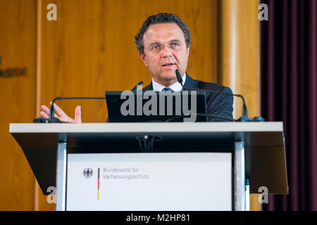 German Federal Interior Minister Hans-Peter Friedrich speech at the 10th Symposium of the Federal Office for Protection - Stock Photo
