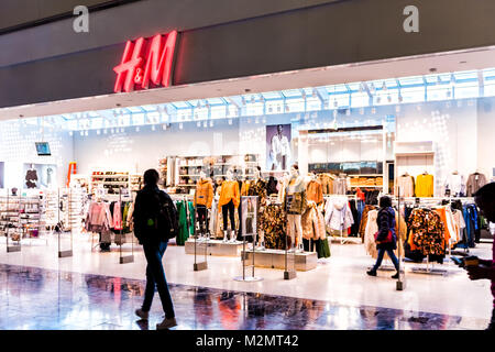 The exterior of an H&M (Hennes & Mauritz) store at South ...
