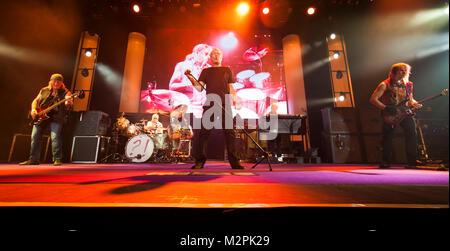 DEEP PURPLE, Ian Gillan, Saenger, in d.  Mitte, Rock, GB,  Live In Concert 2015, Auftritt, 24.11.2015, Max-Schmeling - Stock Photo