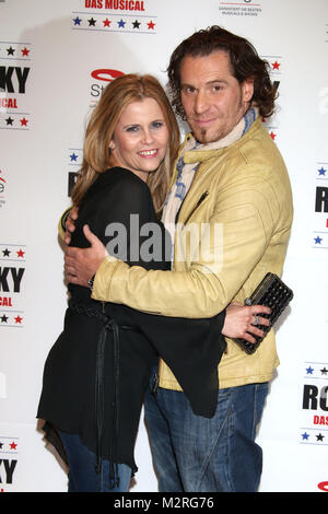 Michaela Schaffrath und ihr Freund Carlos Anthonyo, 2 Jahre Rocky Musical im Operettenhaus Hamburg, 28.09.2014, - Stock Photo