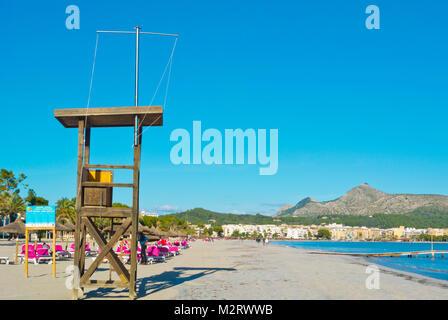 Lifeguard tower, beach, Platja d'Alcudia, Playa de Alcudia, Port d'Alcudia, Mallorca, Balearic islands, Spain - Stock Photo