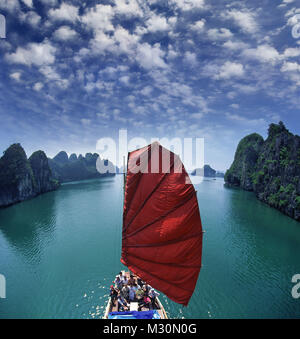 Junk in Halong Bay, Vietnam, Indochina - Stock Photo