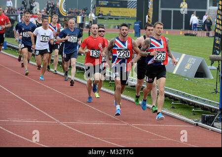 140911-N-PW494-370 LONDON (September 11, 2014)  Two United Kingdom runners lead the field during the first lap of - Stock Photo